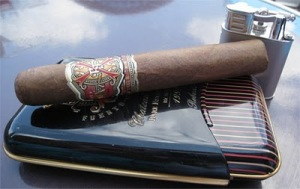 https://buletinolahraga.files.wordpress.com/2010/12/arturo-fuente-opus-x.jpg?w=300